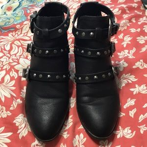 Size 8, black booties from Steve Madden.